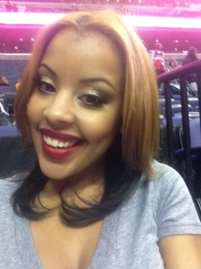 On the floor at the Verizon Center!! Thanks Nicole for doing my hair and Tammi for doing an awesome job on my make up!